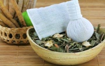 Massage aux herbes chaudes, durée 120 minutes